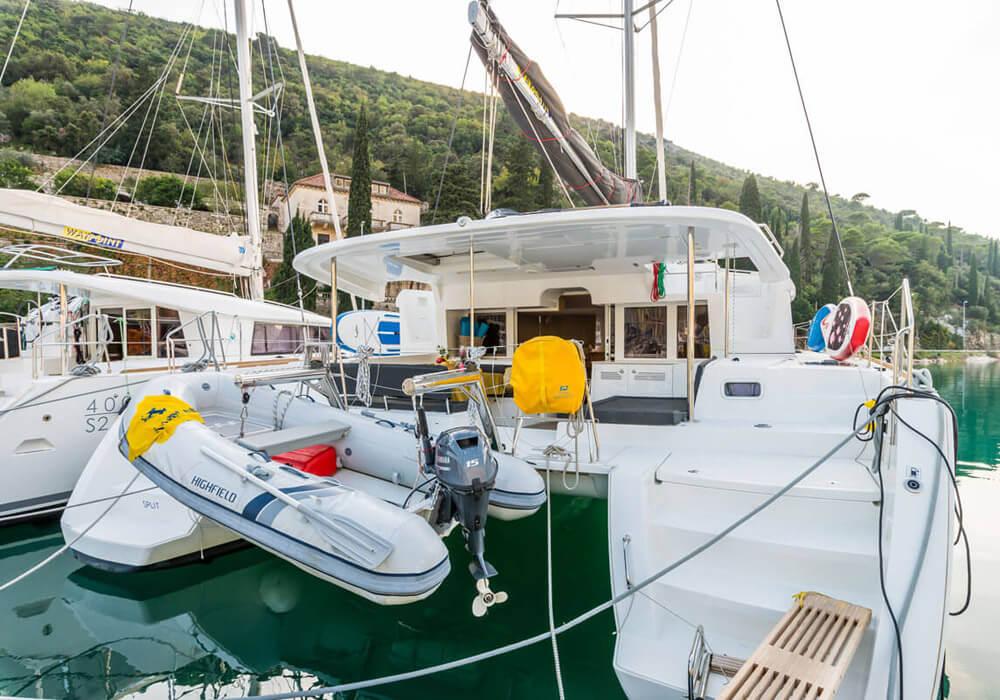 Lagoon 450 Fly (2017) - Catamaran Charter Croatia