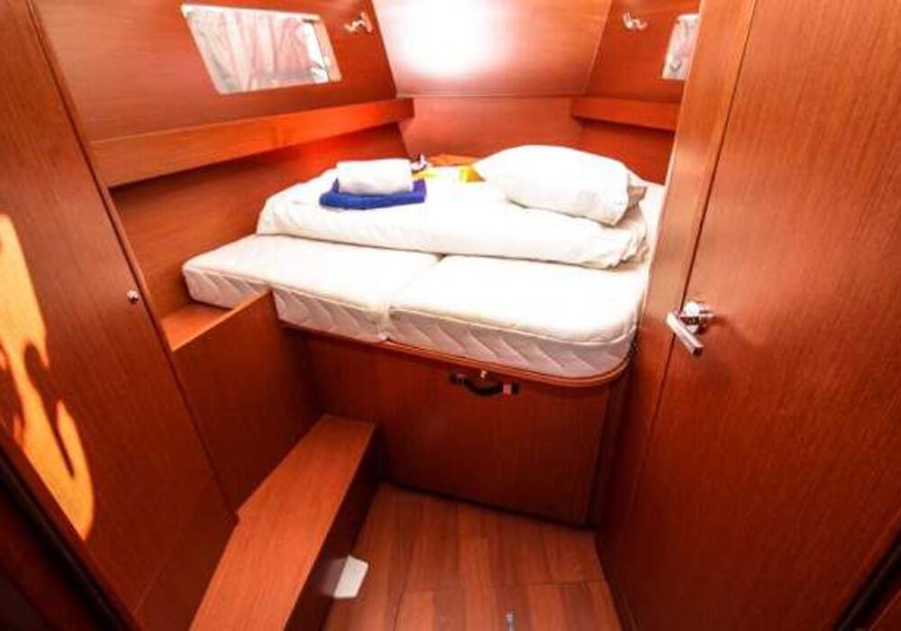 Beneteau Oceanis 41.1 (2017) - Yacht Charter Croatia