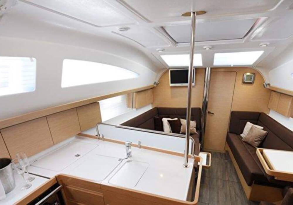 Elan 40 Impression (2015) - Yacht Charter Croatia