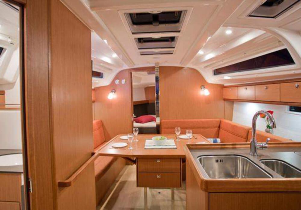 Bavaria Cruiser 37 (2014) - Yacht Charter Croatia