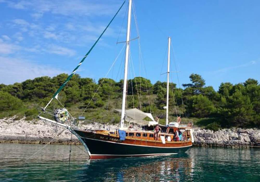 Gulet Charter Croatia - Vila Vrgade