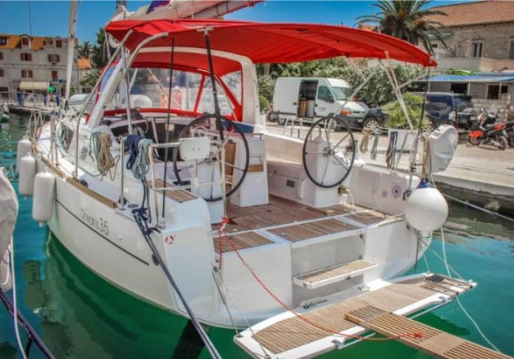 Beneteau Oceanis 35 (2016) - Yacht Charter Croatia