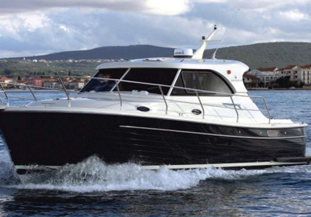 Adriana 36 (2017) - Motor Yacht Charter Croatia