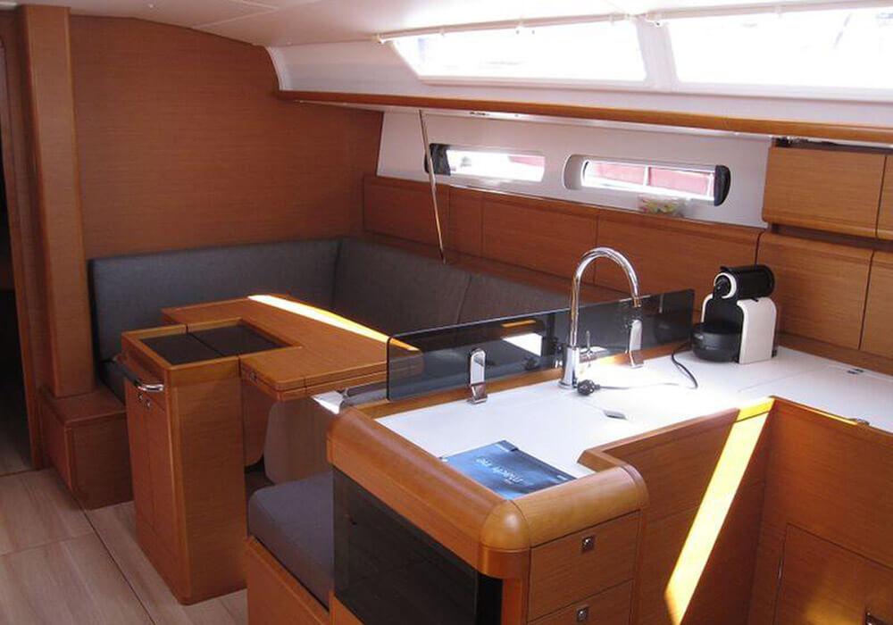 Jeanneau Sun Odyssey 409 (2015) - Yacht Charter Croatia
