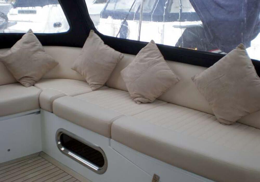 Sealine T47 (2005) - Motor Yacht Charter Croatia